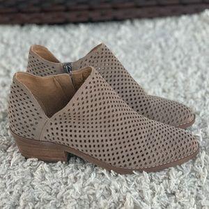 Lucky Brand Frankela Perforated Suede Ankle Bootie Zip Boots Low Heel Size 7 EUC